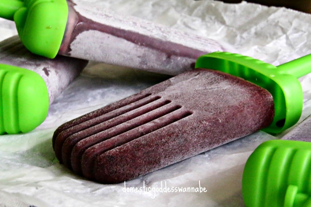 blueberry basil martini pops | a review of tovolo groovy pop molds ...